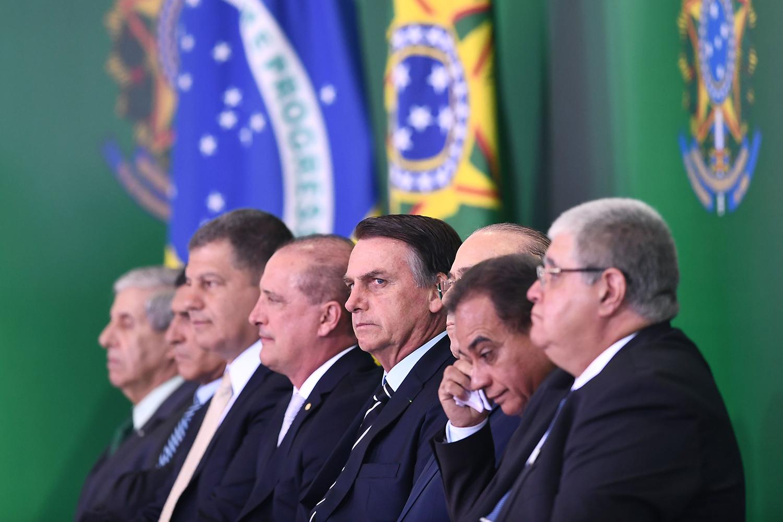 O impacto da troca de Ministros na estabilidade da gestão de Políticas Públicas